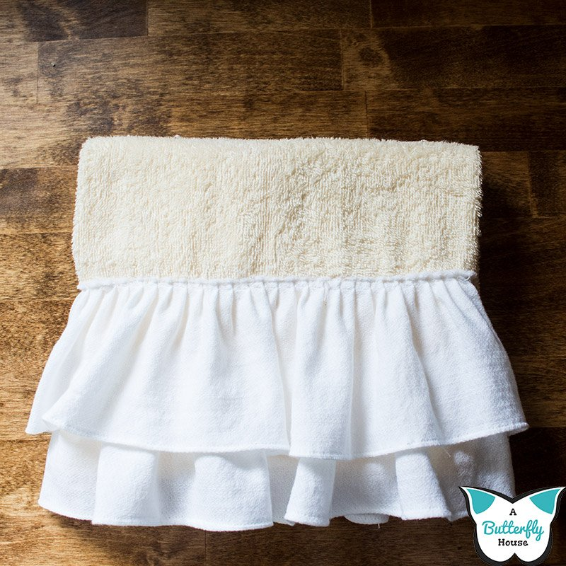 Learn to sew a DIY Ruffled Kitchen Towel- Even if you're a beginner! #AButterflyHouse #DIY #DIYProjects #Crafts #Sewing #Kitchen