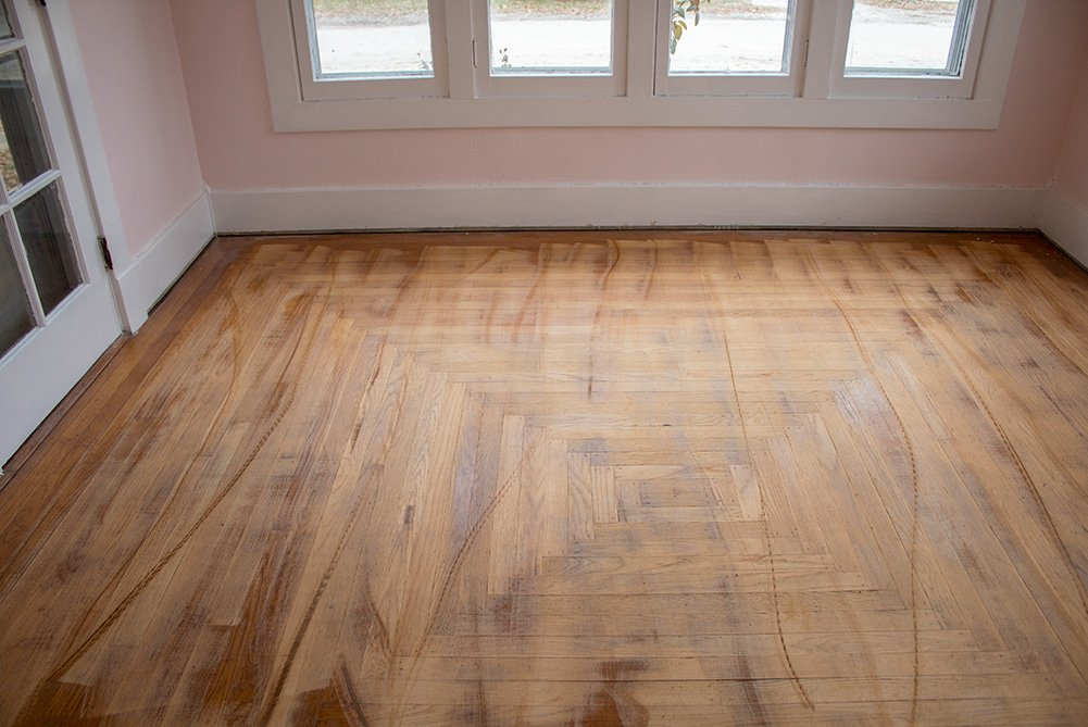 Refinishing Hardwood Floors: 5 Reasons