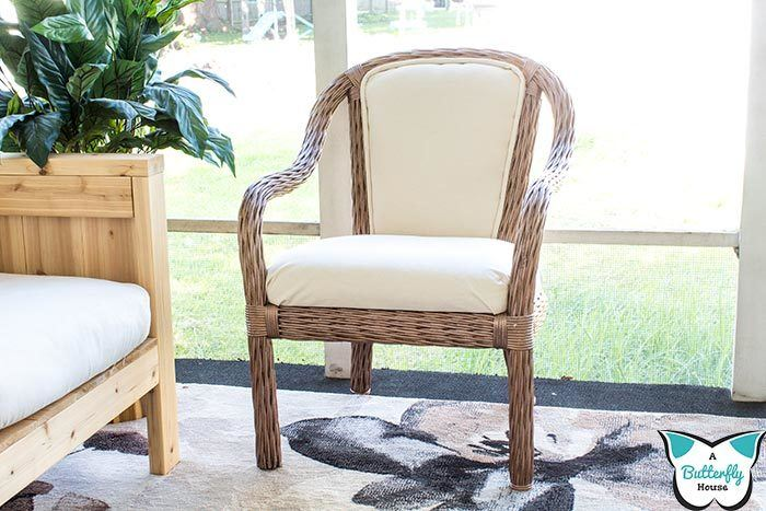 Learn how to refinish an outdoor chair with this quick furniture before and after. Includes upholstery and how to recover piping! #upholstery #furniture