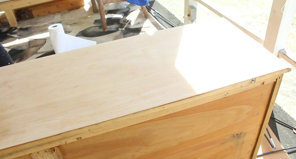 Don't like your wood stain color? Here are five ways to fix a bad wood stain coloring job!