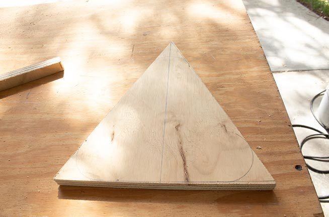 Help your children build motor skills with this DIY Pikler Triangle! A Montessori-Inspired toy, it's the perfect thing for young kids. Includes free printable pdf plans!