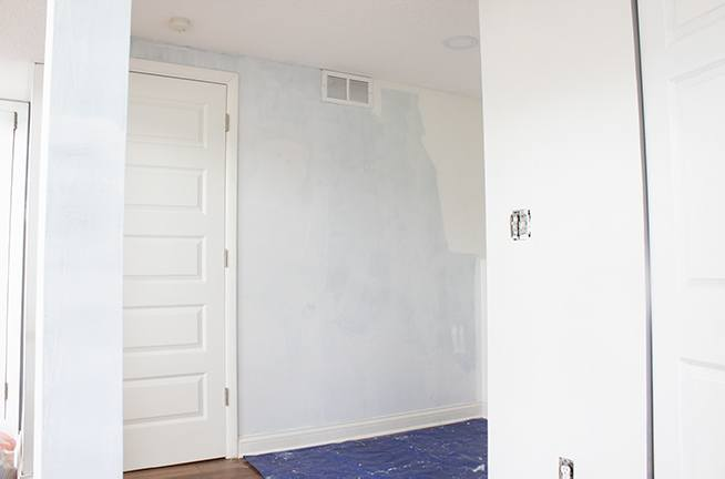 Learn how to repair drywall paper the easy way with this detailed tutorial. No joint compound required, and done in under an hour! Your wall will look great in no time! #homerepairs #homeimprovement