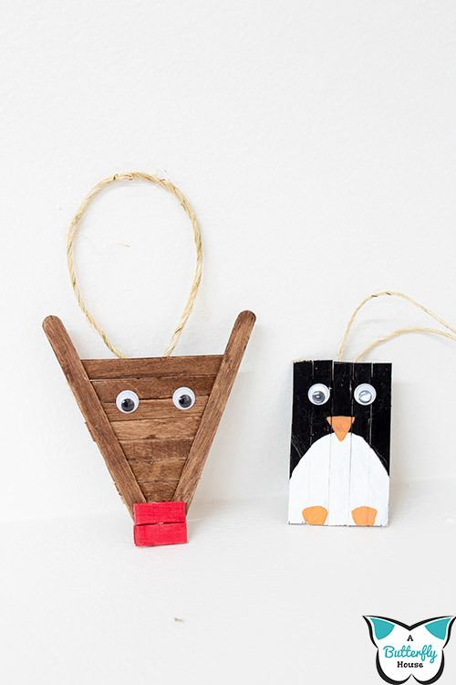 These easy diy popsicle stick ornaments are the perfect addition to your Christmas tree. An easy holiday craft for kids, the ornaments are super cute and great for a group! #diyornaments #christmascrafts