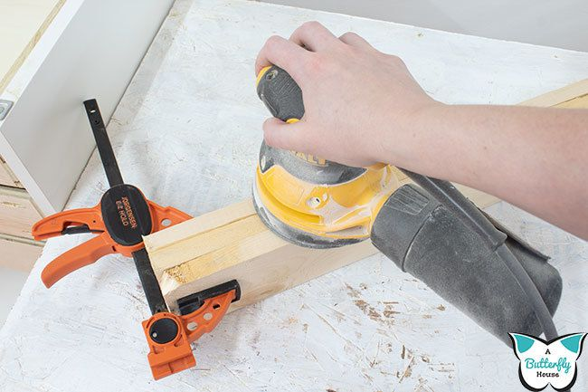 Learn how to paint wood the right way so you have a perfect and flawless finish! #homeimprovement #woodworking
