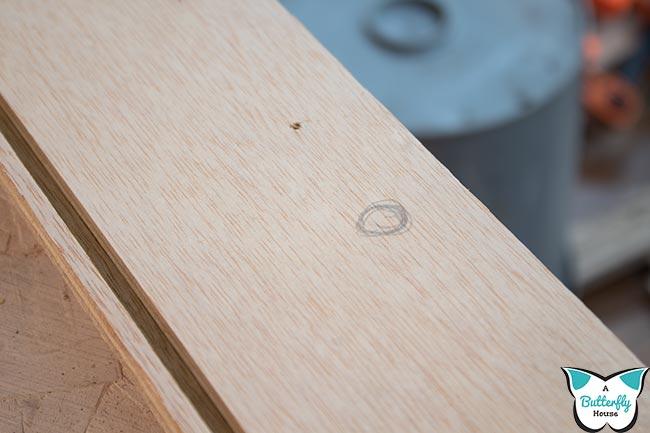 Circle on wood