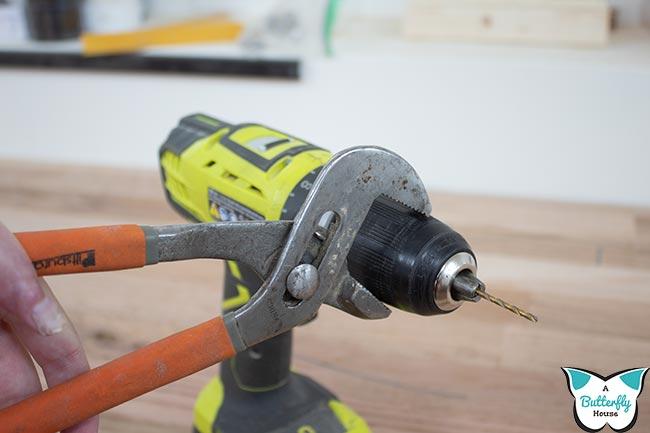 Channel lock pliers gripping chuck